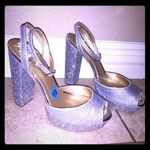 BADGLEY MISCHKA Silver Glitter Platform Heels